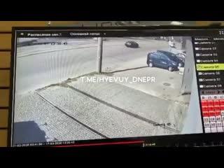 ДТП на проспекте Богдана Хмельницкого в Днепре.