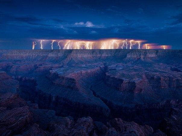 Гроза над Гранд Каньоном, США Заходите на нашу страницу и узнайте о самых удивительных местах нашей планеты