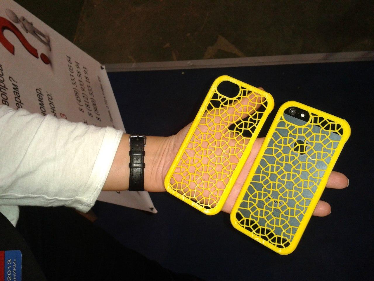 Распечатанный на 3D-принтере компании Printers3D.ru чехол iPhone 5S