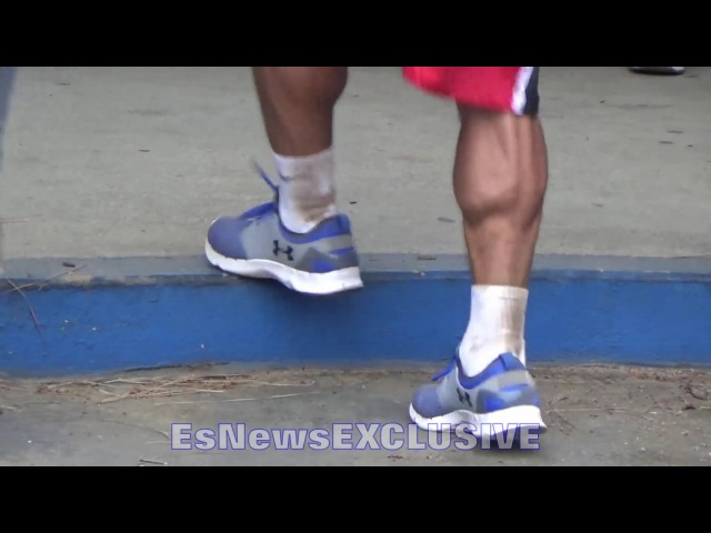 Manny Pacquiao SHOWING OFF FRESH LEGS DURING INTENSE FOOTWORK DRILL - EsNews EXCLUSIVE