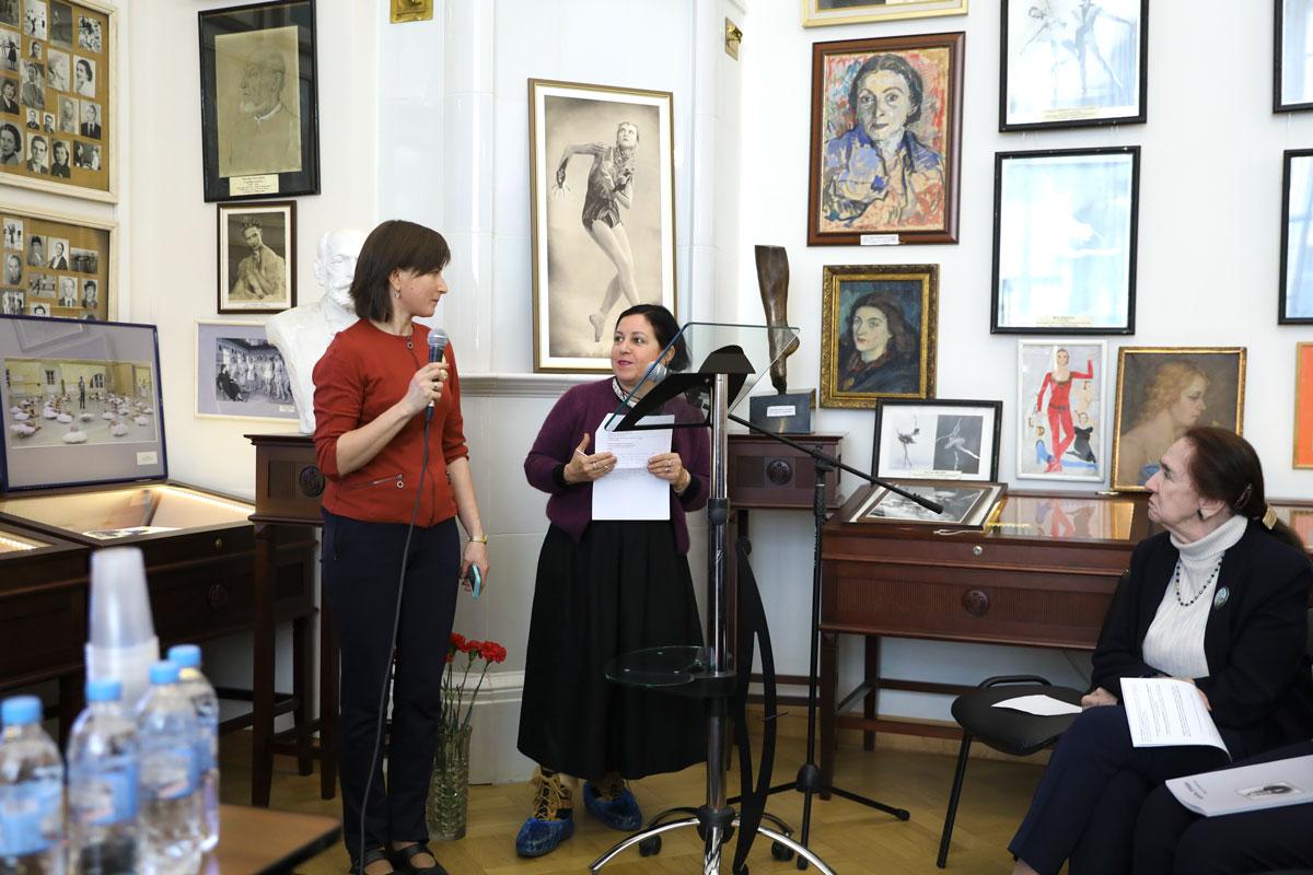 Тициана Леуччи с переводчиком Юлией Телепиной