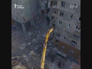 Завалы дому ў Магнітагорску з дрону