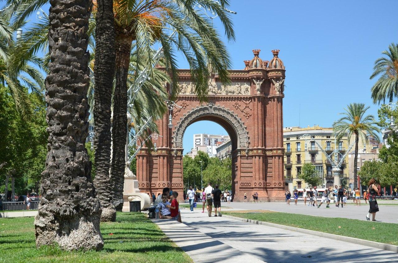 a_UpG6y6Rm8 Барселона – один из самых космополитичных городов мира.