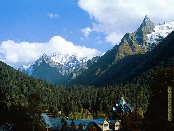 Домбай - престижный горный курорт Кавказа (Россия)