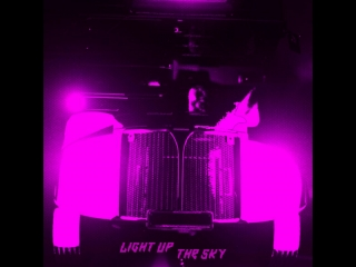 The Prodigy — Light Up The Sky