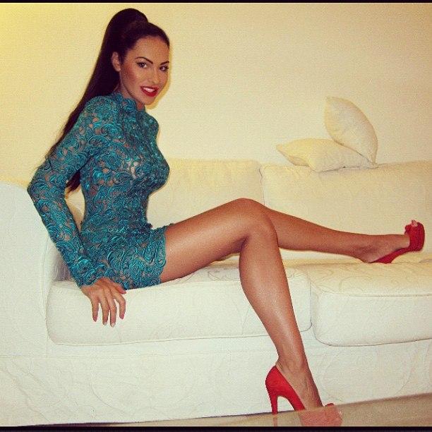 Блядь в вечернем платье фото 352-972