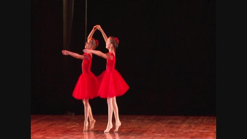57 Васюкова Олеся и Спицына Анастасия Дуэт сестёр Вишенок из балета Чиполлино