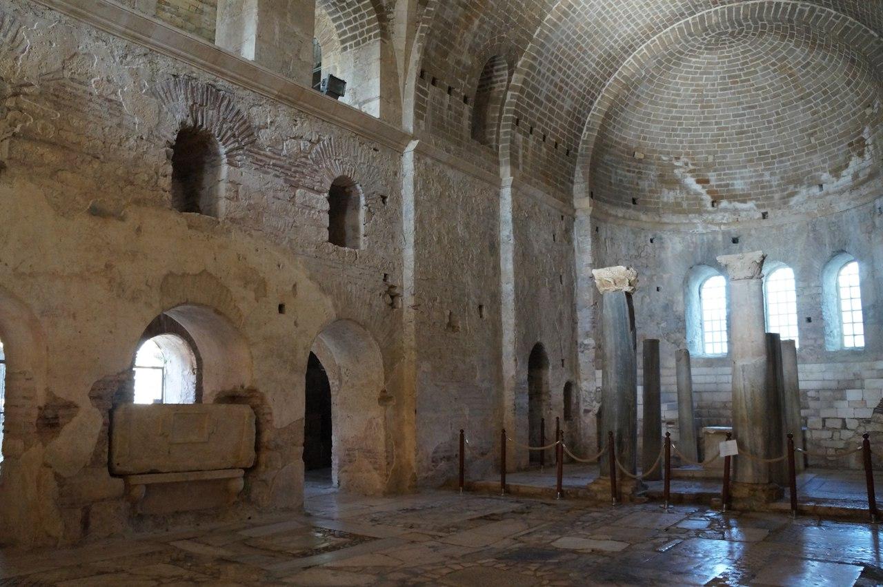 Ранняя христианская базилика, в которой был похоронен Николай Чудотворец