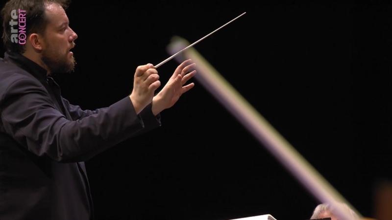 Andris Nelsons dirige la symphonie Résurrection