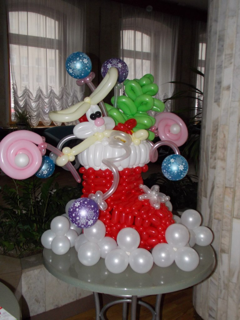 воздушная елка, фестиваль воздушная елка, фигуры из воздушных шаров