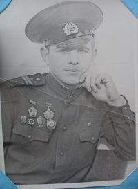 Овчинников Виктор