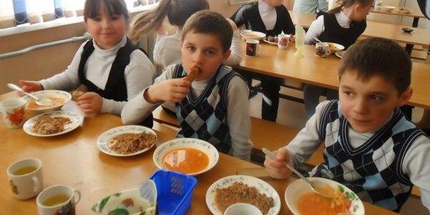 Дауншифтинг по-грефовски : в самарской школьной столовой детей разделили по сословному признаку
