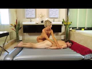 Зрелая дама сделала массаж и трахнула пацана, sex milf oil mature mom woman fuck boy massage tit ass busty pussy (hot&horny)