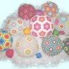 Вязаный мяч и другие развивающие игрушки