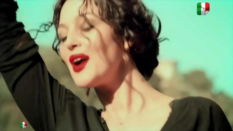 Monica Bellucci e Bianca Balti ft Joe Cocker e Eros Ramazzotti - Baila morena
