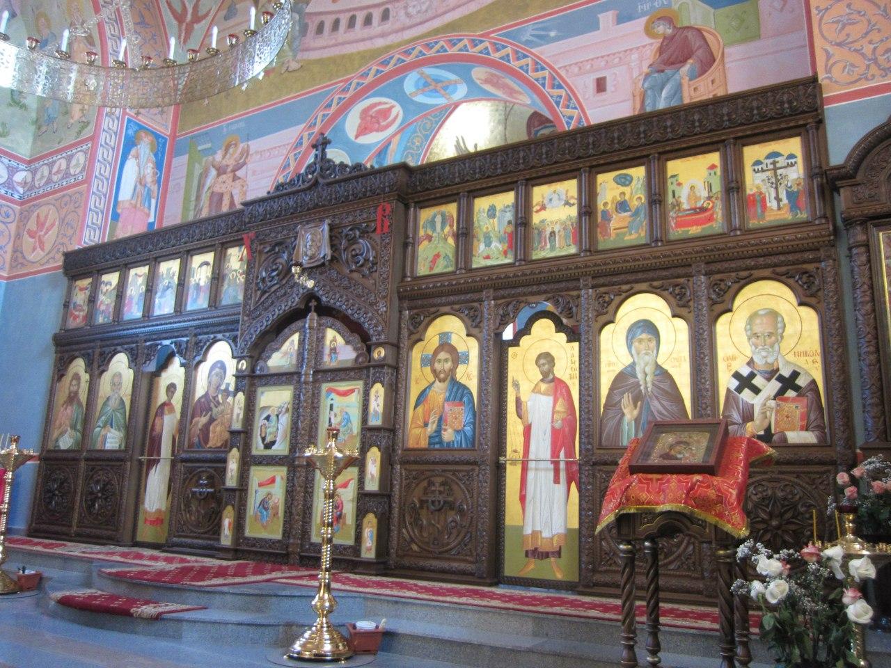 Алтарь храма Похвала Пресвятой Богородицы (03.07.2014)