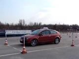 автошкола ЦААС, вождение на площадке, за рулём ученица