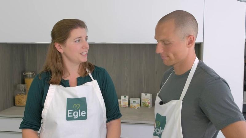 Эрик Лессер на кухне (2018)