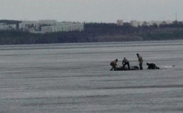 На Усть-Илимском водохранилище рыбак провалился под лёд