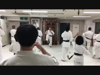 СФП Приседания в Кёкусинкай карате от Японских Мастеров Увеличиваем силу ударов ногами и общую кондицию http://vk.com/oyama_mas