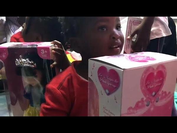 Aquarius подарки для маленьких беженцев