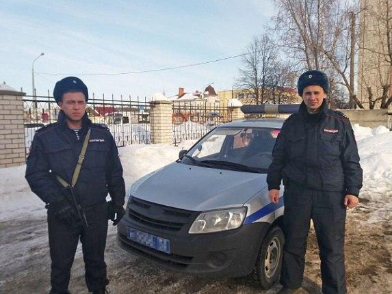В Волжске задержали вооруженного мужчину в розыске, который пытался угнать такси
