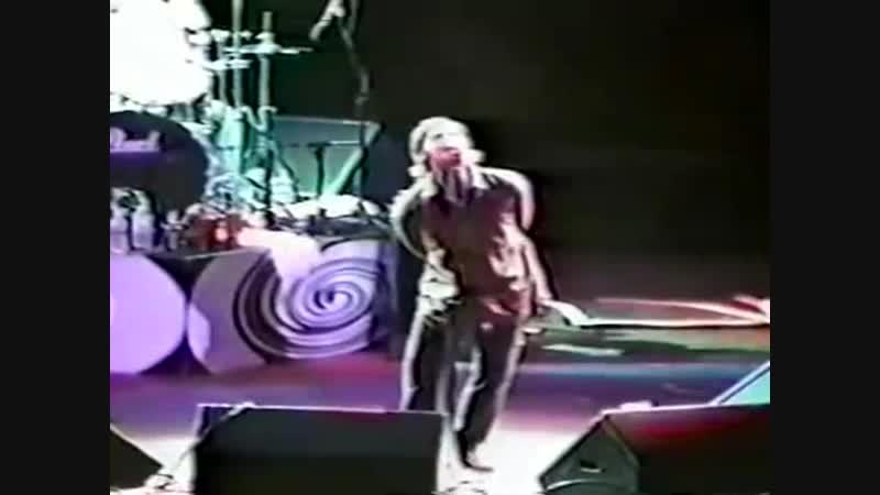 Oasis - Listen Up live (Jones Beach NY, 1996) [HQ Audio remaster]