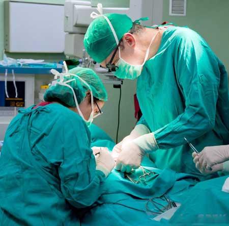 Процедуры реконструкции влагалища обычно выполняются в условиях стационара с пациентом под общим наркозом.