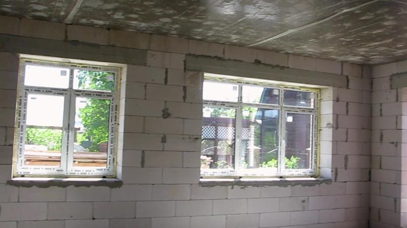 Остекление коттеджа цветными пластиковыми окнами REHAU Delight (Рехау Делайт) ламинированными в цвет Коричневый каштан. Отзыв о