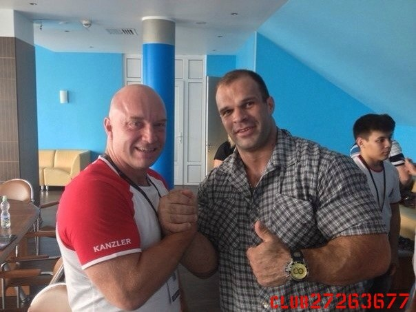 Todd Hutchings and Denis Cyplenkov before A1 Russian Open 2014 │ Photo Source: ОФИЦИАЛЬНАЯ ГРУППА ДЕНИСА ЦЫПЛЕНКОВА!
