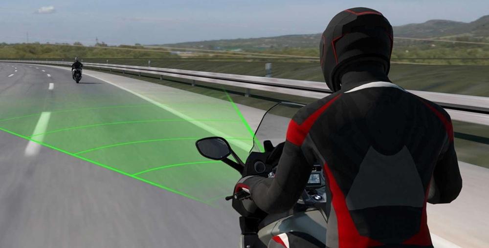 ТНовый адаптивный круиз-контроль BMW
