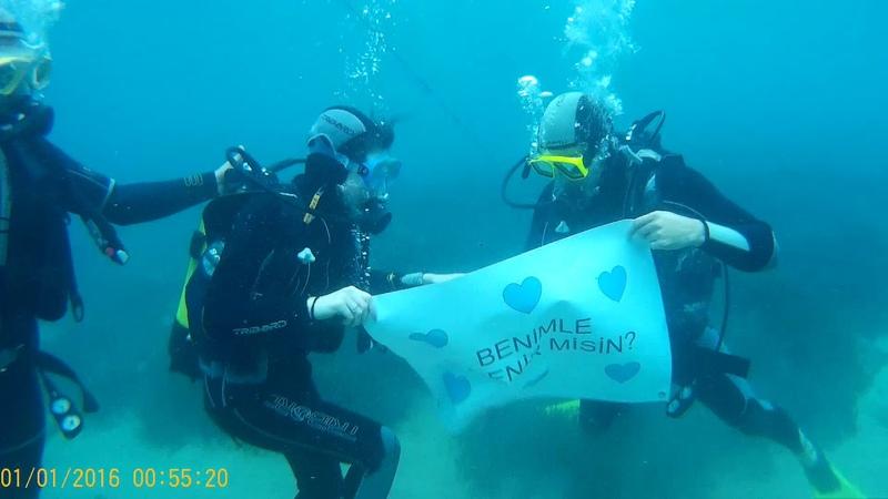 Marriage Proposal Under the Sea Deniz altında evlenme teklifi 01 01 2019