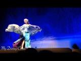 Disney Frozen Princess Elsa and Princess Anna at El Capitan