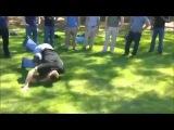 Как поднять с земли человека без сознания