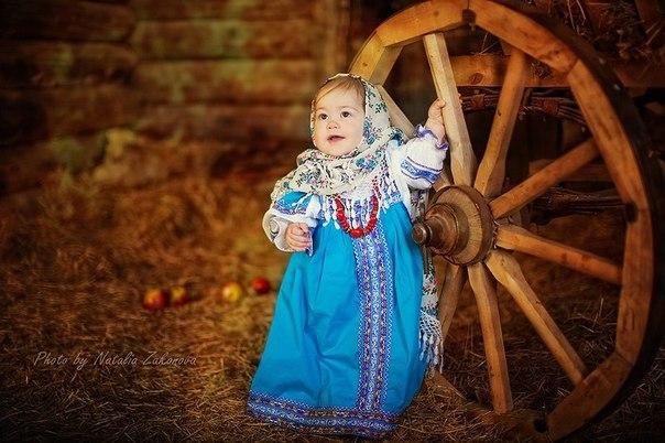 Русские народные сказки, добрые и мудрые, много веков передавались из поколение в поколение, чтобы и наши малыши могли их послушать.