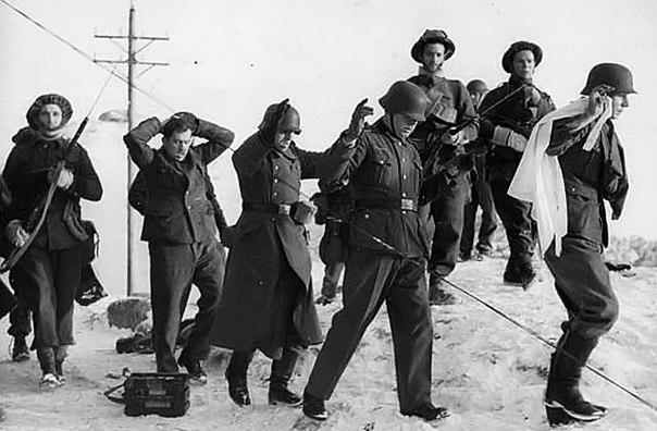 последняя сдавшаяся немецкая часть в августе 1944 года группа немецких военных метеорологов под командованием профессора географии и опытного полярника вильгельма деге была направлена на остров