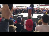 Secret Service Scrambles as Man Attempts to Rush Stage at Trump Rally.mp4