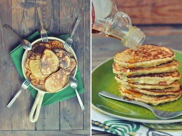 яблочно-творожные оладьи что нужно: 1 чашка натёртых на средней или крупной тёрке яблок (одно крупное яблоко)1 чашка творога4 яйца3/4 чашки муки1.5-2 ст.л. меда1 ч.л. лимонного сока0.5 ч.л.