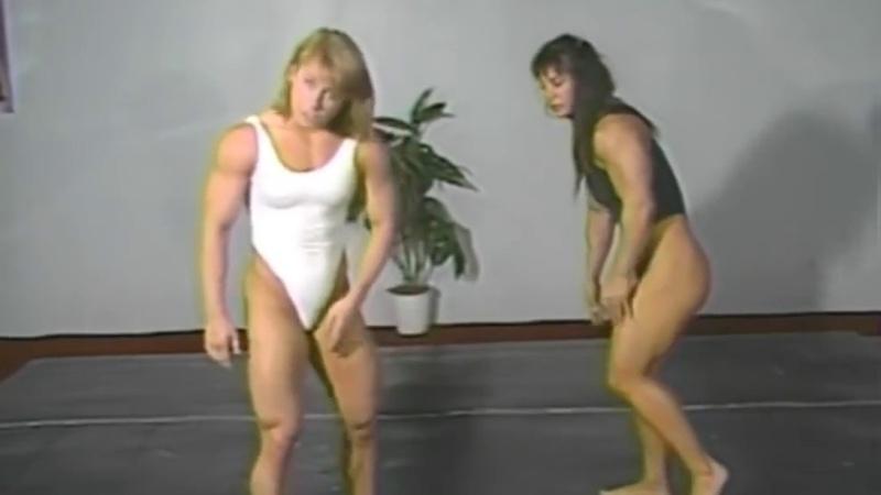 Athena Annis vs Sharon Marvel Hot Female Bodybuilders Strong Women Fight FBB bearhug