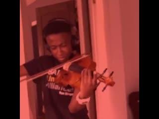 Jungkook at 1am with taes violin
