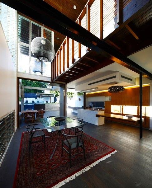 Gibbon Street House — современная пристройка к старому коттеджу в Брисбене, Австралия.