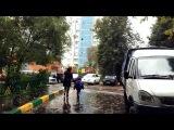 В Москве возбудили уголовное дело против женщины, которая избивала на улице своего ребёнка - Первый канал