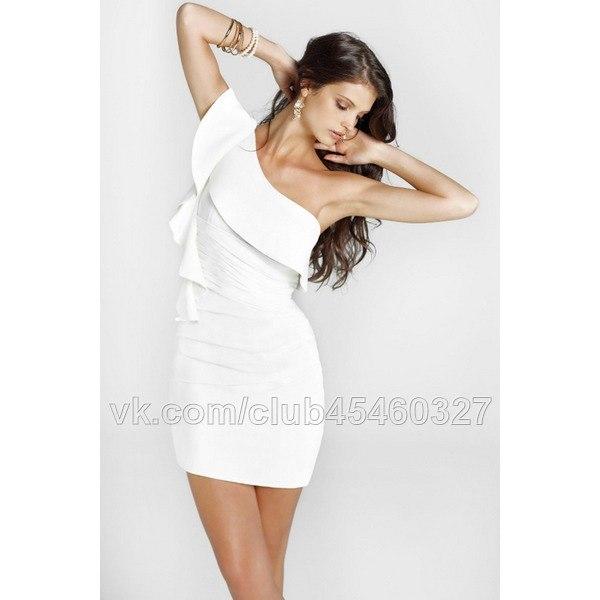Платье белое с голубым на одно плечо