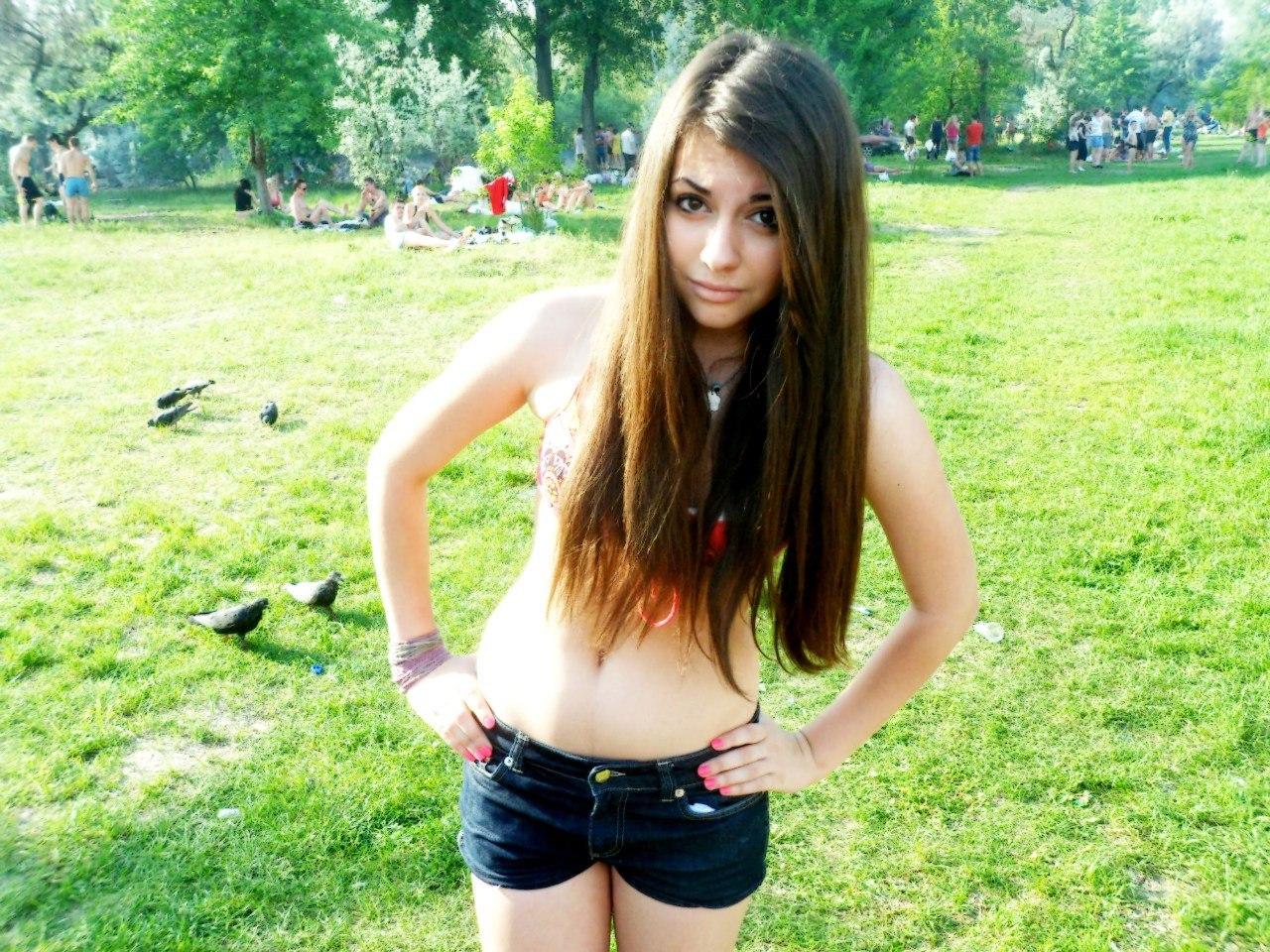 Девушки четырнадцатилетние