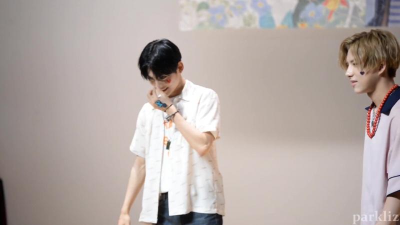 FANCAM | 17.06.18 | Jun (Black and Blue) @ 4th fansign Incheon Media Center