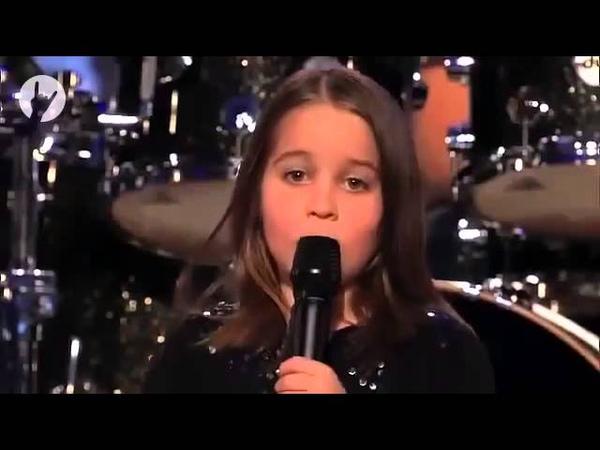 маленькая девочка поет скримом!