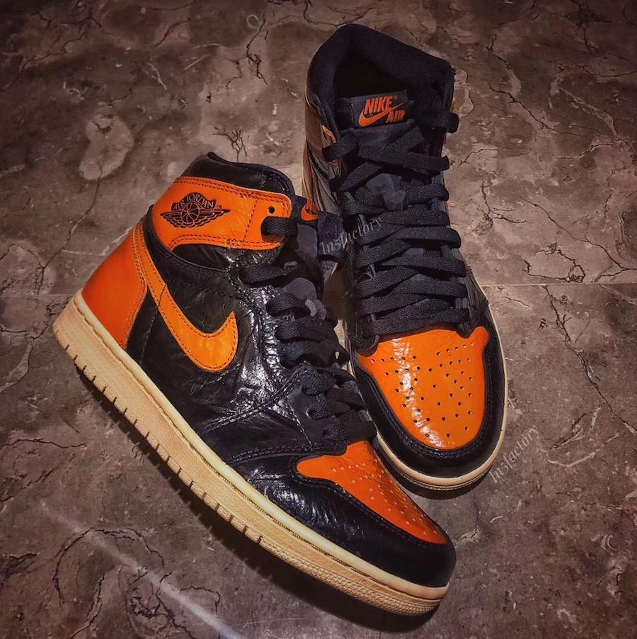 Air Jordan переиздал легендарные кроссовки в новом материале