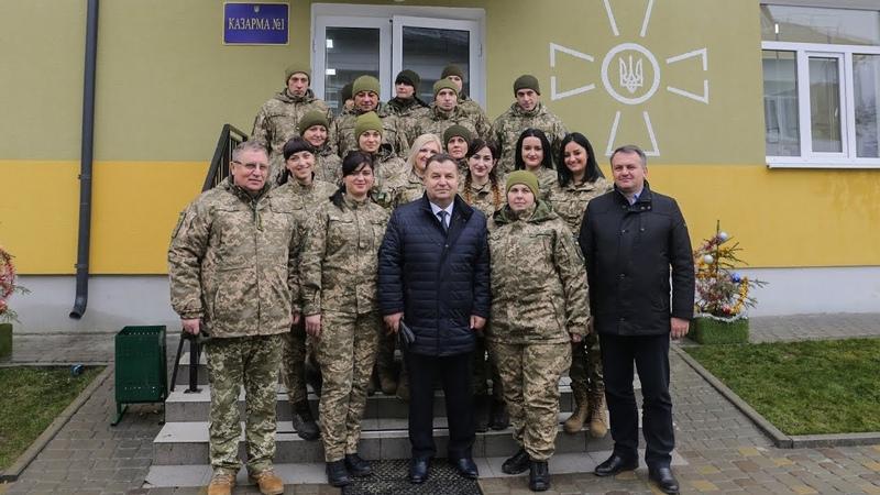Наявність комфортного житла дасть можливість набрати професіоналів до війська Міністр оборони
