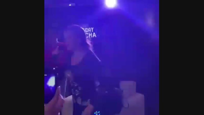 Lucía Méndez - singing Mi Amor Amor at the friends birthday party (January 12, 2019)