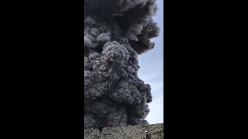 Парамушир . Как всегда разбушевался вулкан Алаид . Скоро в декабре опять на пол - года на остров .